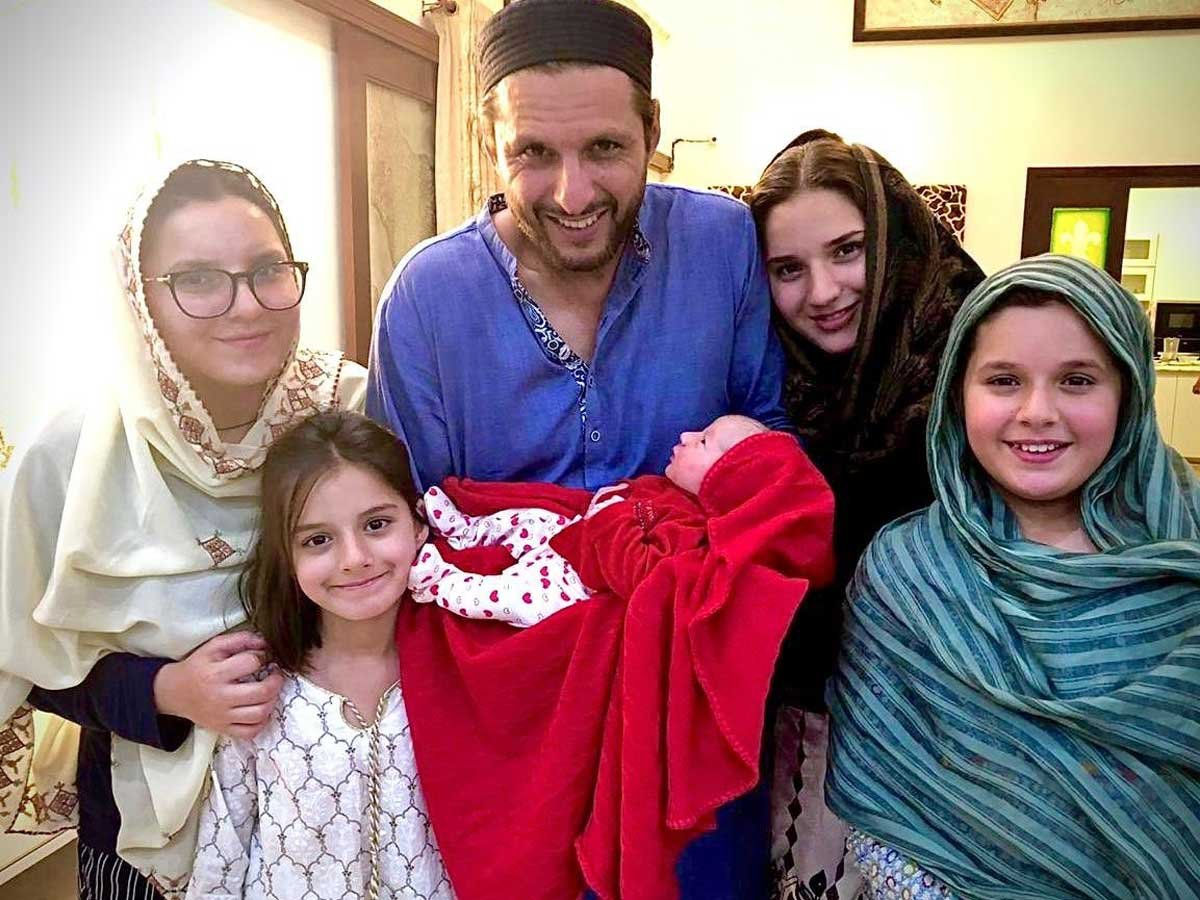 Shahid Afridi Wedding Story