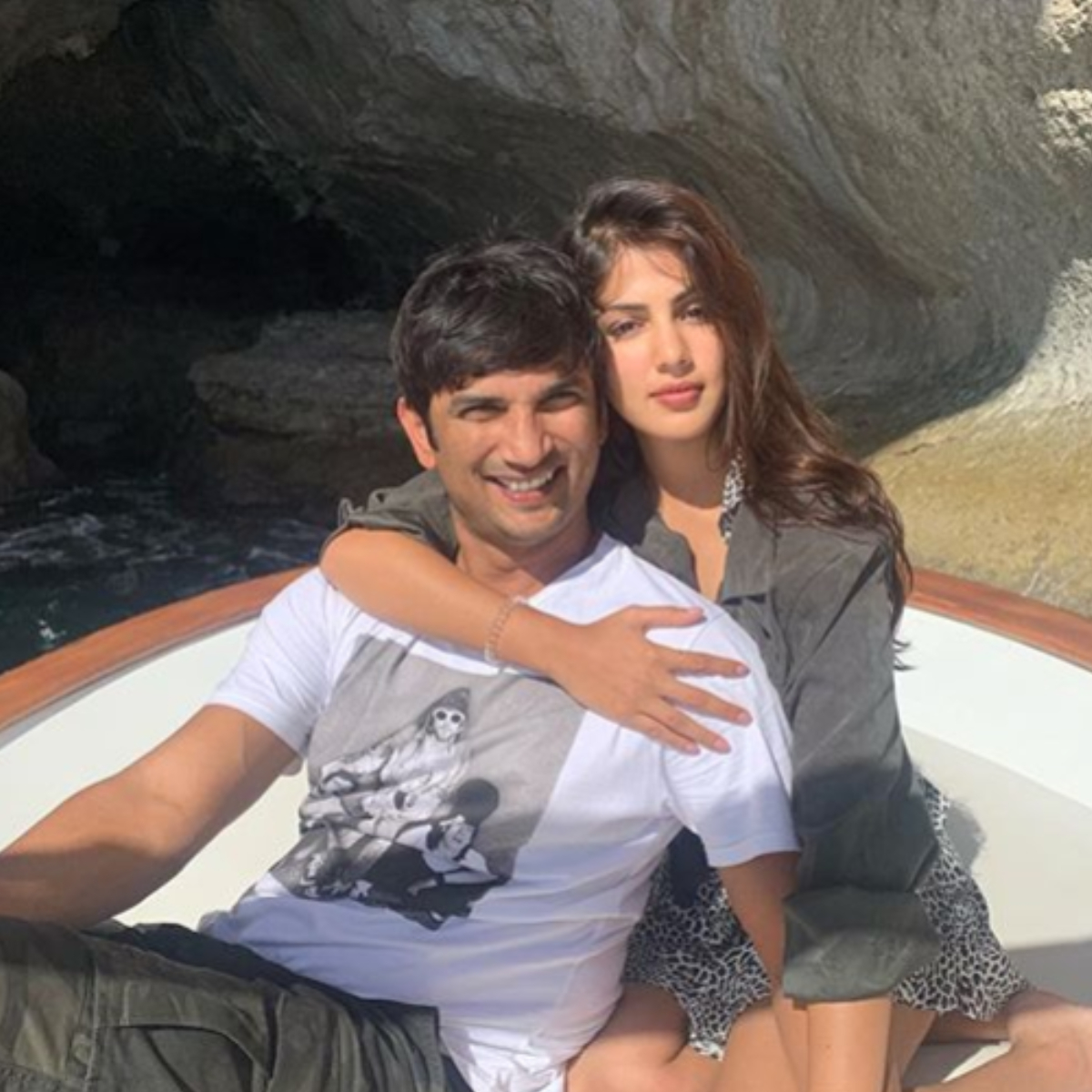 rhea chakraborty sushant singh rajput taking drugs video viral