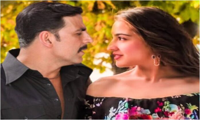 Akshay Kumar posing in a romantic style to Sara Ali Khan, photo went viral