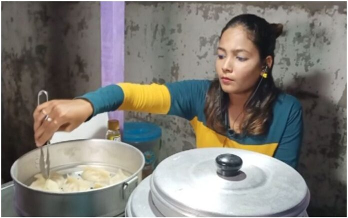 Bollywood's Suchismita Routray selling Momos in Cuttack !